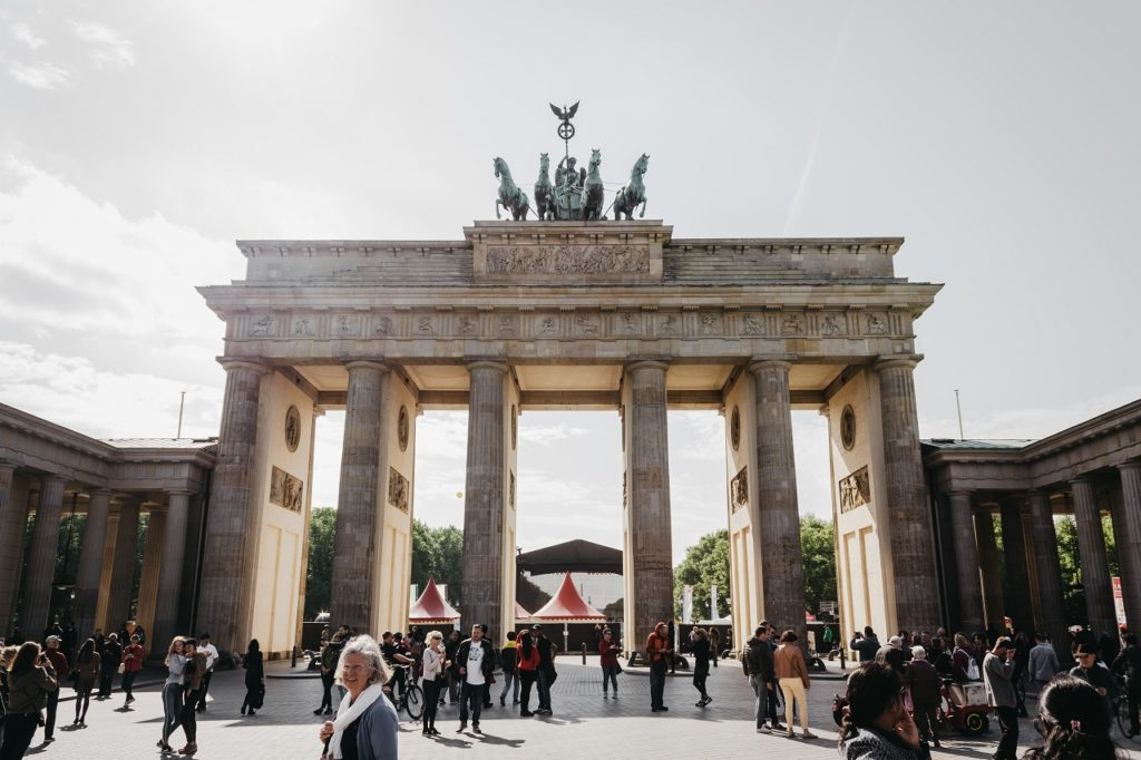Officials examine pilot project for cannabis in Berlin