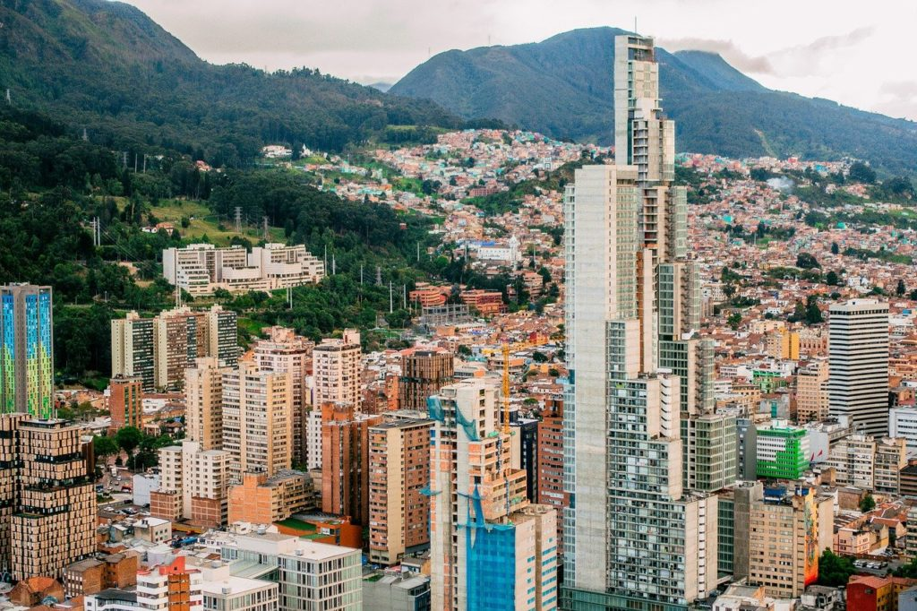 What does the cannabis sector in Colombia lack to thrive?
